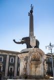 Elefantspringbrunn i Catania, Sicilien Fotografering för Bildbyråer