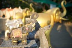 Elefantstatuen in Thailand Stockfotografie