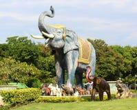 Elefantstaty Royaltyfria Foton