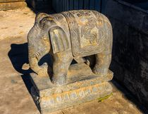 Elefantstenstatyn Beihai parkerar Peking Kina arkivbilder