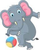 Elefanttecknad film som sparkar en boll Vektor Illustrationer