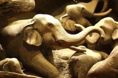 Elefantträskulptur Arkivbild