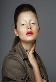 elegancja Azjatycka kobieta z Modnym Makeup zdjęcie royalty free