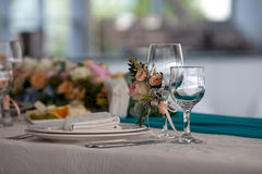Elegancja stołu ustawianie dla poślubiać w restauraci Obrazy Royalty Free