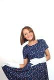 Elegancka kobieta jest ubranym polek kropek suknię, uczucie dobry i taniec w studiu Obrazy Stock