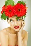 Elegancka młoda kobieta target857_0_ jej strona fotografia stock