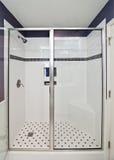 Elegancka nowożytna prysznic zdjęcia stock