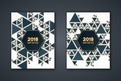 Elegancka zaproszenie karta dla nowego roku Deseniowa mozaika zmrok - błękitni trójboki na białym tle Złoci trójboki Sztandarów w ilustracji