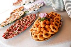 Elegancki Ślubny round obiadowy stół Zdjęcie Royalty Free