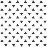 Elegancki abstrakcjonistyczny bezszwowy wzór z czarnymi graficznymi trójbokami Zdjęcia Stock