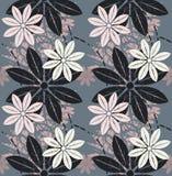 Elegancki bezszwowy wzór z pięknymi kwiatami Obrazy Royalty Free