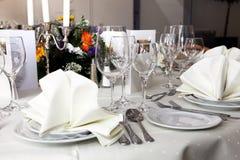 Elegancki bielu stołu położenie Obraz Royalty Free