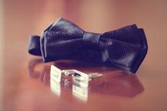 Elegancki bowtie i guziki dla mężczyzna Obraz Stock