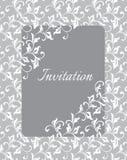 Elegancki delikatny szablon dla zaproszenia ślub Kręceni trzony z dekoracyjnymi liśćmi Obrazy Royalty Free