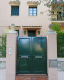 elegancki domowy fasady i zieleni drzwi Fotografia Stock