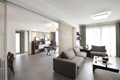 Elegancki i wygodny domowy wnętrze zdjęcie stock