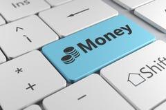 Elegancki klawiatury zakończenie w górę widoku z błękitnym guzika pieniądze i monetą Obraz Royalty Free