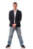 Elegancki mężczyzna z pistoletem, ubierającym jako sekret lub szpieg Zdjęcia Royalty Free