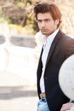 Elegancki piękny i przystojny modny mężczyzna zdjęcia stock