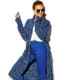 Elegancki piękny model w lecie eleganckim odziewa w studiu Fotografia Royalty Free