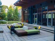 Elegancki Plenerowy patio na letnim dniu Zdjęcie Royalty Free