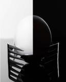 Elegancki ranku jajko przedstawiający na dwa rozwidleniach balansuje, śniadaniowy Cutlery Zdjęcie Royalty Free