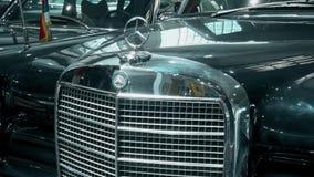 Elegancki retro stary Mercedez samochód zdjęcie wideo