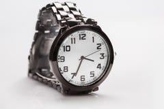Elegancki zegarek z metal bransoletką Fotografia Stock