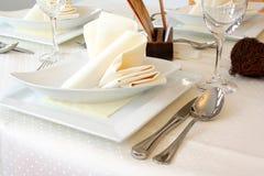 Elegancko Dekorujący stół w restauraci obrazy stock