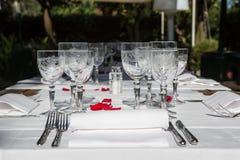 Eleganstabellaktivering för dinning rum Royaltyfria Bilder