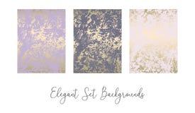 Elegant bloos roze gouden in marmeren grungetextuur met bloemenornament royalty-vrije illustratie