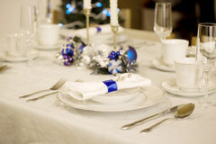 Elegant blue and white Christmas table Royalty Free Stock Photos