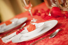 Elegant Christmas table setting in red Royalty Free Stock Image