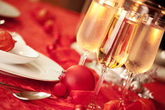 Elegant Christmas table setting in red Royalty Free Stock Photo