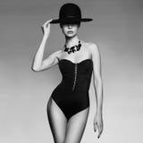 Elegant dam i hatt Royaltyfri Bild