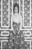 Elegant dam på blom- bakgrund Royaltyfri Fotografi