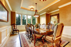 Elegant dinning room with great decor. Royalty Free Stock Photos