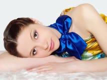 elegant flickastående för härlig kläder Royaltyfria Foton
