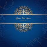 Elegant guld- vektorkortmall på mörker - blå bakgrund Arkivfoto