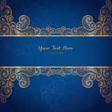 Elegant guld- vektorkortmall på mörker - blå bakgrund Royaltyfri Fotografi