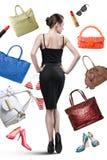 Elegant kvinna och saker som ska köpas Royaltyfria Bilder