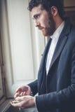 Elegant man för stilig hipster med rovan royaltyfria foton