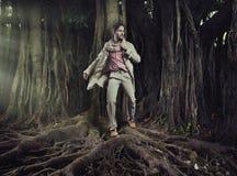 Elegant man på naturbakgrund royaltyfria foton