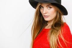 Elegant Meisje in hoed stock foto