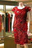 Elegant modeklänning för damtoalett arkivfoton