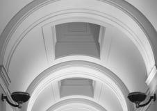 Elegant overspannen pleisterplafond Royalty-vrije Stock Foto