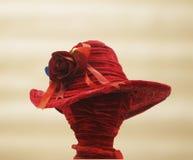 Elegant röd headwear Arkivfoton
