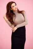 Elegant sexig redheadkvinna Arkivfoto