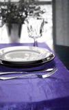 elegant tabell för matställe Arkivfoto