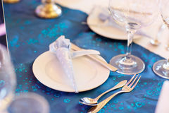 Free Elegant Table Set In Soft Blue For Wedding Royalty Free Stock Photography - 62691897